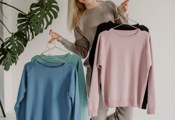 COZY LAISVALAIKIO KOSTIUMAI MOTERIMS: stilingi, jaukūs ir spalvingi