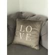 """Rusvos spalvos aksominė pagalvėlė """"Love"""""""
