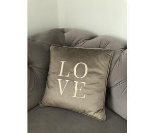 """Aksomo pagalvėlė """"LOVE"""""""
