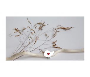 """Segė """"Mažasis paukštukas"""" sidabro spalva, su raudonu sparneliu"""